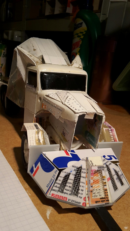 [Déterrage] Wolf Truck sur base de Diamond Reo AMT au 1/24 Wolf-123
