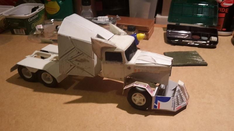[Déterrage] Wolf Truck sur base de Diamond Reo AMT au 1/24 Wolf-113_1