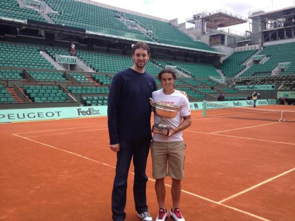 ¿Cuánto mide Rafa Nadal? - Altura - Real height Rafa_Gasol_Twitter