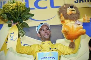 Passione MTB e ciclismo - Pagina 12 Vincenzo-nibali-vittorioso-al-tour-de-france-571262_tn