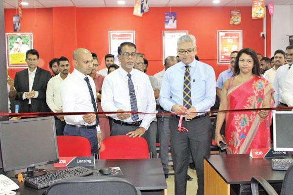 NDB Leasing Centers open at Gampaha, Negombo Z_FIN-piv-NDB-01