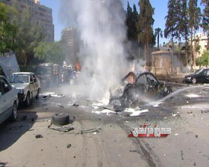 أنباء عن استهداف رئيس الوزراء السوري وائل الحلقي بانفجار في آخر أوتوستراد المزة بالقرب من المؤسسة العامة للاتصالات 405874_511378485578384_507099357_n
