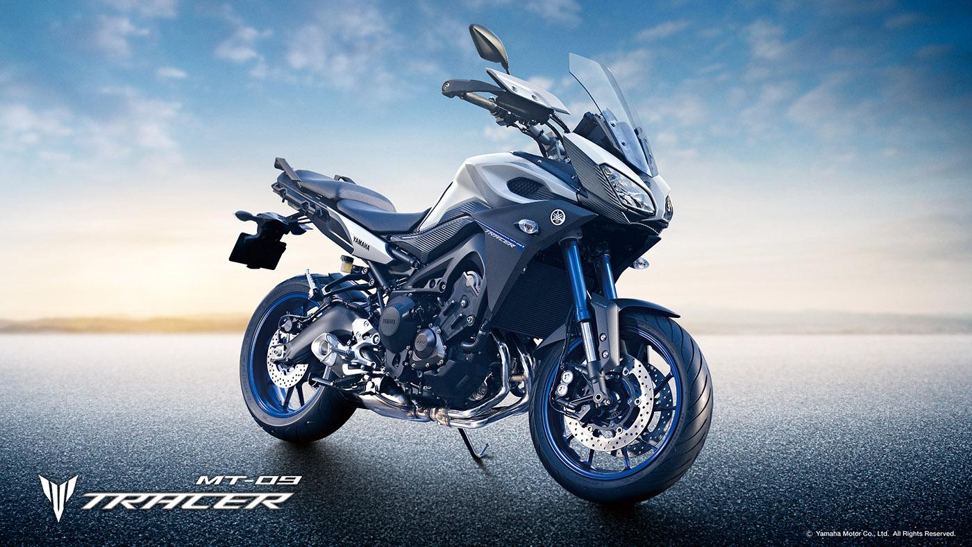 essai MT09 TRACER Yamaha-MT09-Tracer-Race-Blu