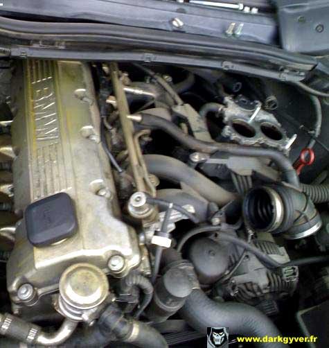 [ BMW E36 316i M43 an 1996 ] Remplacement du joint de culasse Pipe-admission-M43-09