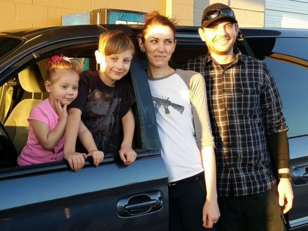 Community Donates Van To Keep 1st Grader From Being Late to School Community-Donates-Van-To-Keep-1st-Grader-From-Being-Late-to-School-600x450