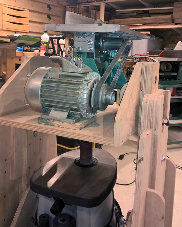 Un manège à machines Manege-034
