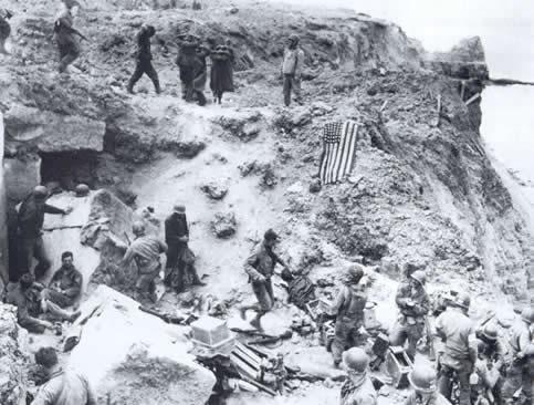 Histoire des Rangers US Pointe_du_hoc_prisonniers_allemands