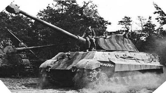 Les chars allemands monstrueux, une intox apparue dès 1943. Char_koenigstiger