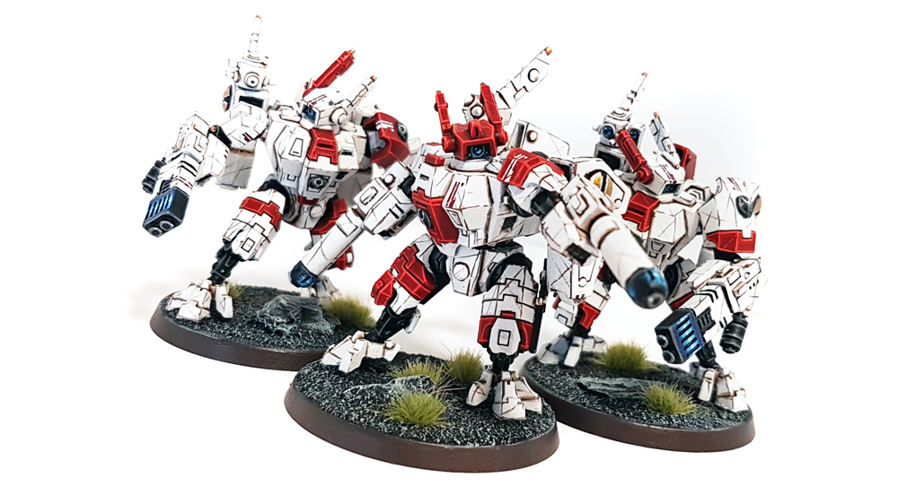 [Peinture] Armure blanche Tau-Empire-XV8-Crisis-Suits-4