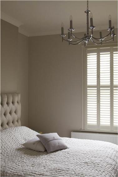 chambre parentale cocooning=>peinture+aménagement Couleur-peinture-chambre-adulte-lin-et-blanc-casse