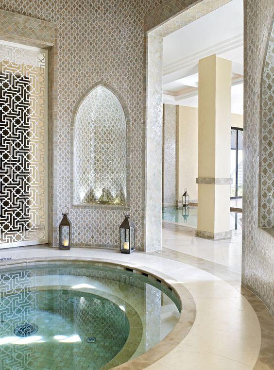 أجمل الديكورات العربية التراثية لفخامة منزلك %D8%AD%D9%85%D8%A7%D9%85-%D8%B3%D8%A8%D8%A7%D8%AD%D8%A9-1