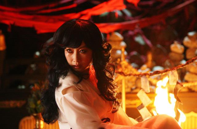 noticias anime!!!! - Página 5 Pel%C3%ADcula-Phoenix-Wright-Ace-Attorney-Misty-Fey-01
