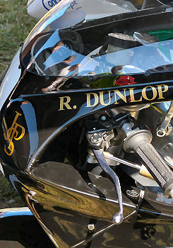 Racer, Oldies, naked ... TOPIC n°2 - Page 38 TT2008RDUNLOP