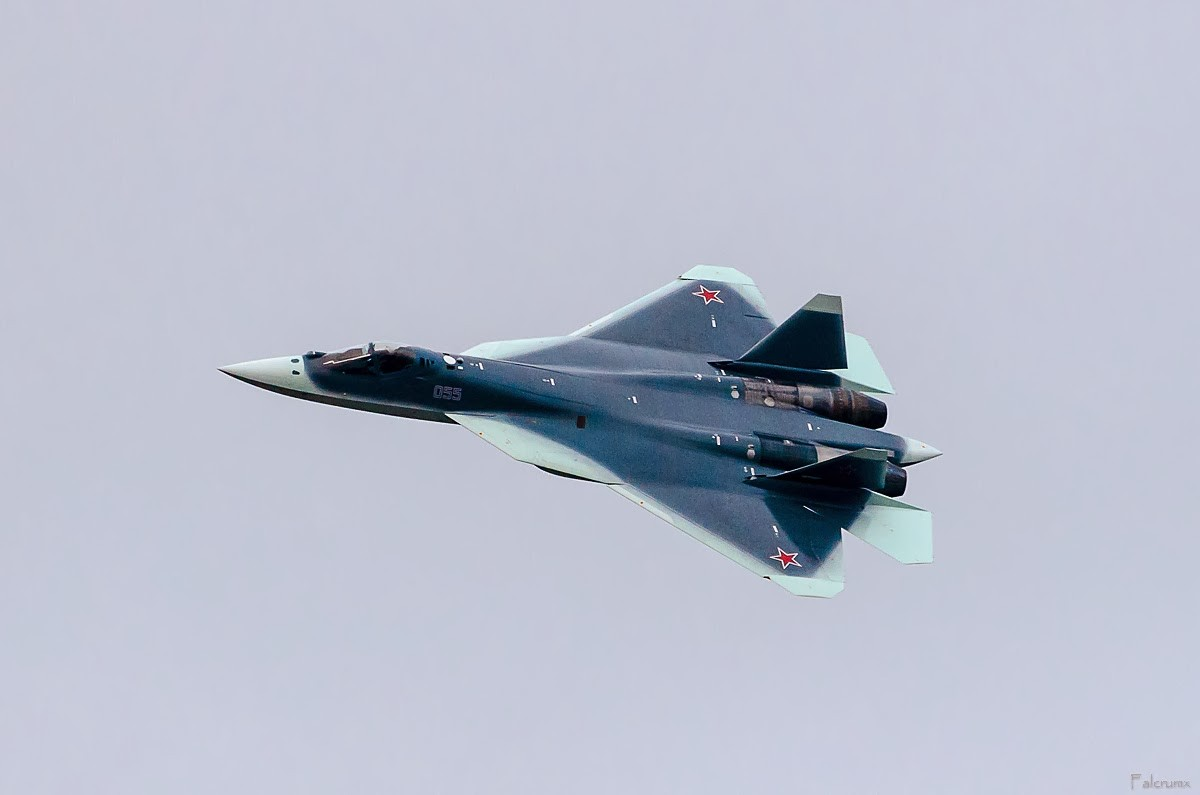 اميرة السماء الروسية القادمة ... سوخوي باك فا ((sukhoi t-50 pak fa)) T-50-PAK-FA-Fifth-Gen-Fighter-Aircraft-Russia_Paint-Job_New_top