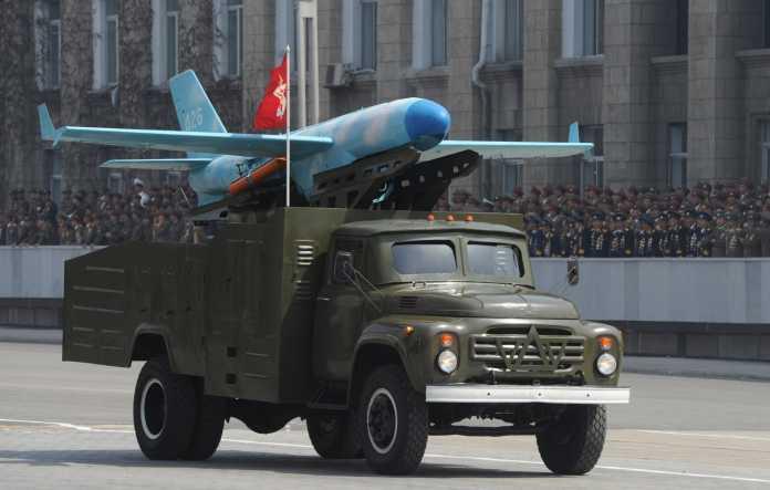 كوريا الشمالية و الطائرات بدون الطيار Zil-130-truck-North-Korean-drone-696x443