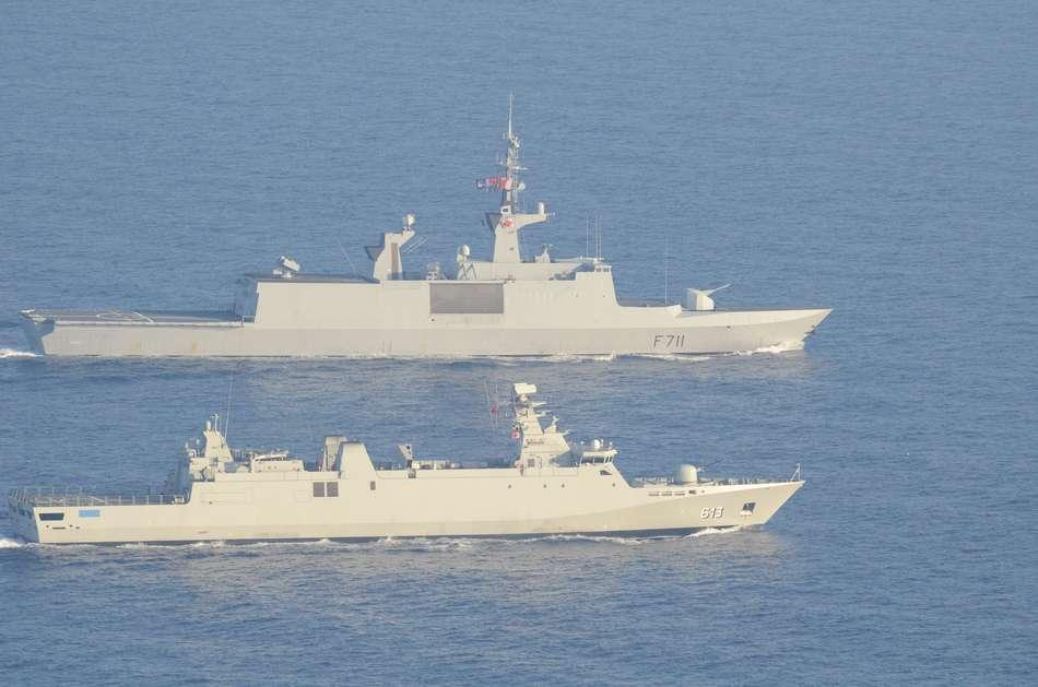Exercice Chebec 2012 Fregate-marocaine-tarik-ben-zihad-et-la-flf-surcouf-en-entrainement-chebec-2012-c-marine-nationale