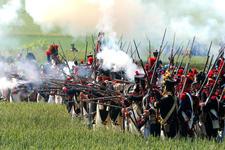 Passer l'arme à gauche Reconstitution-de-la-victoire-de-napoleon_article_demi_colonne