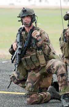 Commandos  parachutiste de l'air n°20 (CPA 20) et équipages corses s'entraînent ensemble Commando-du-cpa-20_article_demi_colonne
