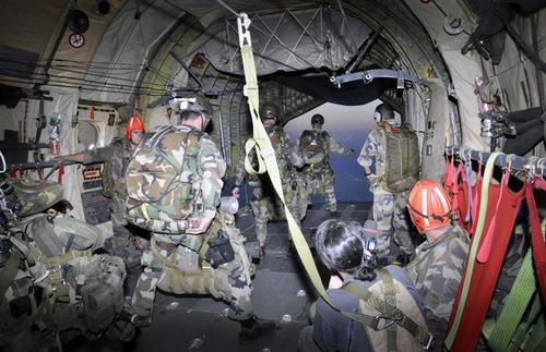 Geopolitique française en Afrique Exercice-interarmees-franco-malgache-la-buse-2012-2_article_pleine_colonne