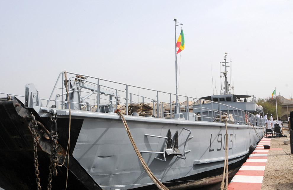 Armée Sénégalaise - Page 2 Cession-de-l-edic-sabre-a-la-marine-nationale-senegalaise-6