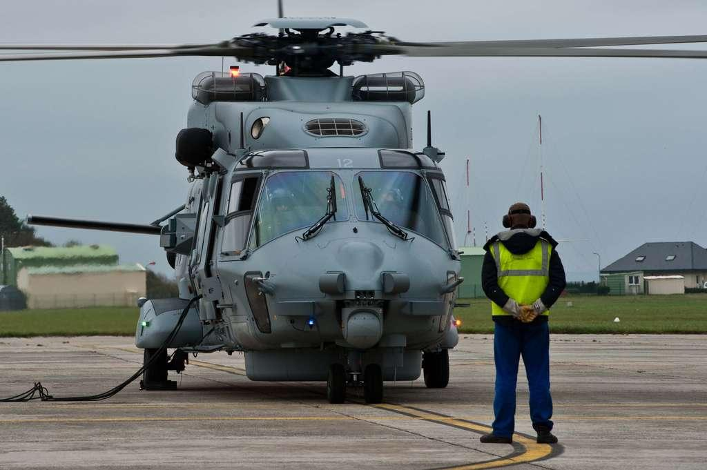 Arrivée du dernier Caïman Marine 2014mlvc306_001_040