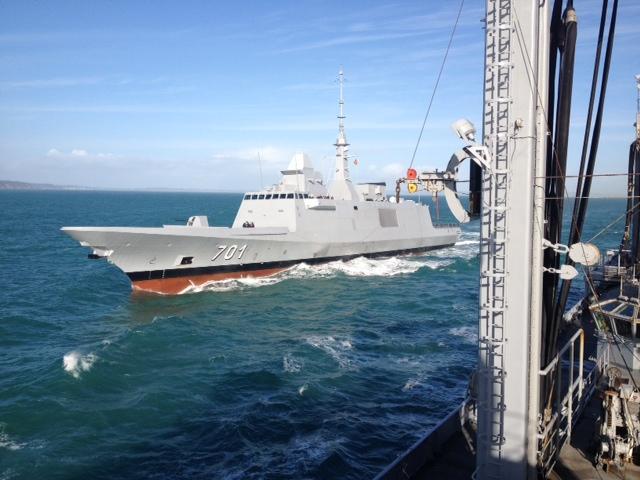 [nouvelles & photos] La Marine Royale Marocaine - Page 9 Le-bcr-somme-et-la-fregate-mohammed-vi-en-entrainement-mutuel