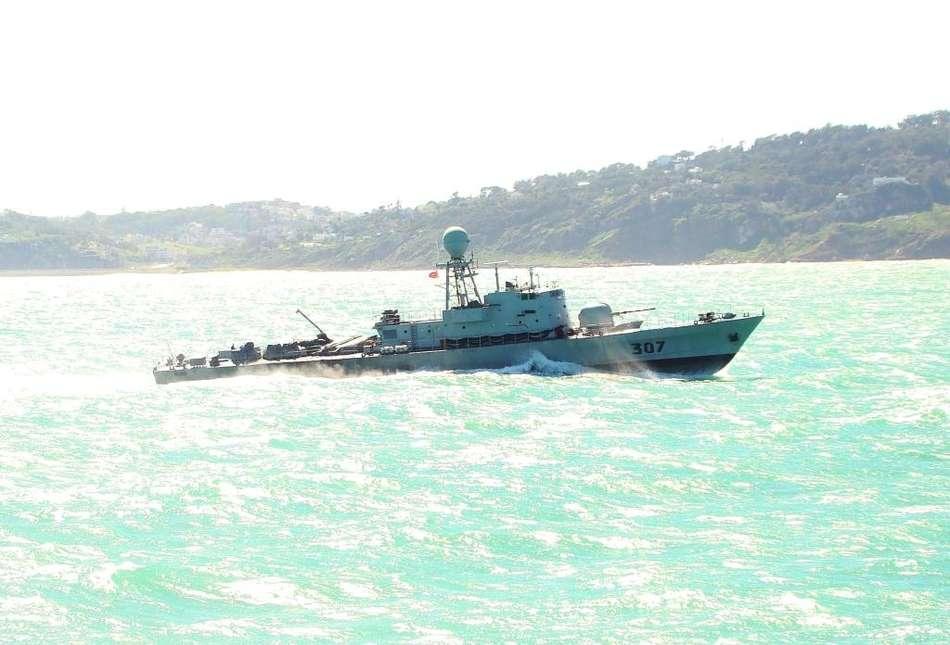 Le bâtiment hydrographique La Pérouse s'entraîne avec la marine marocaine Patrouilleur-marocain