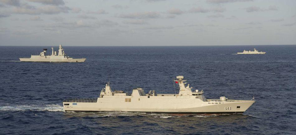 Royal Moroccan Navy Sigma class frigates / Frégates marocaines multimissions Sigma - Page 8 Pean2012