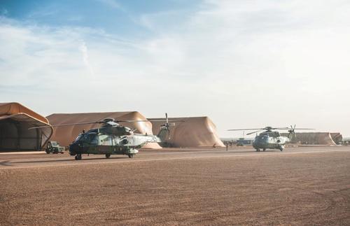 Barkhane : Arrivée de deux NH90 « Caïman » Dsc_6743_article_pleine_colonne