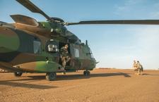 Barkhane : Arrivée de deux NH90 « Caïman » Dsc_6767_article_demi_colonne