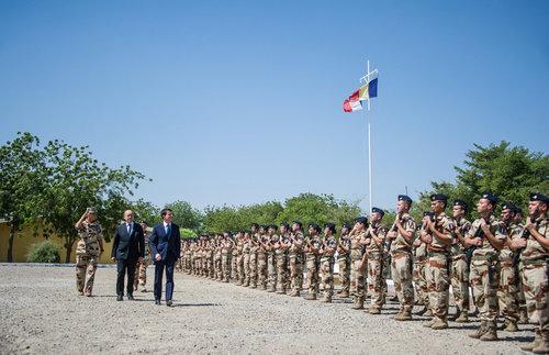 Opération Barkhane : visite de M. Manuel Valls, Premier Ministre Dsc_4701_article_pleine_colonne