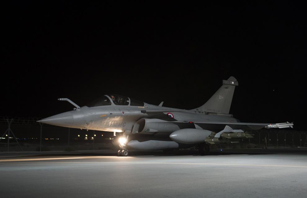 Opération Chammal : mission de bombardement de nuit de la coalition _moo5678
