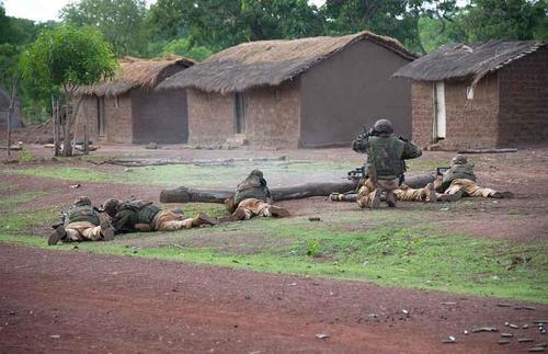 Sangaris : attaque par un groupe armé au Nord-Ouest du pays 2014tsgs063_001_038_article_pleine_colonne