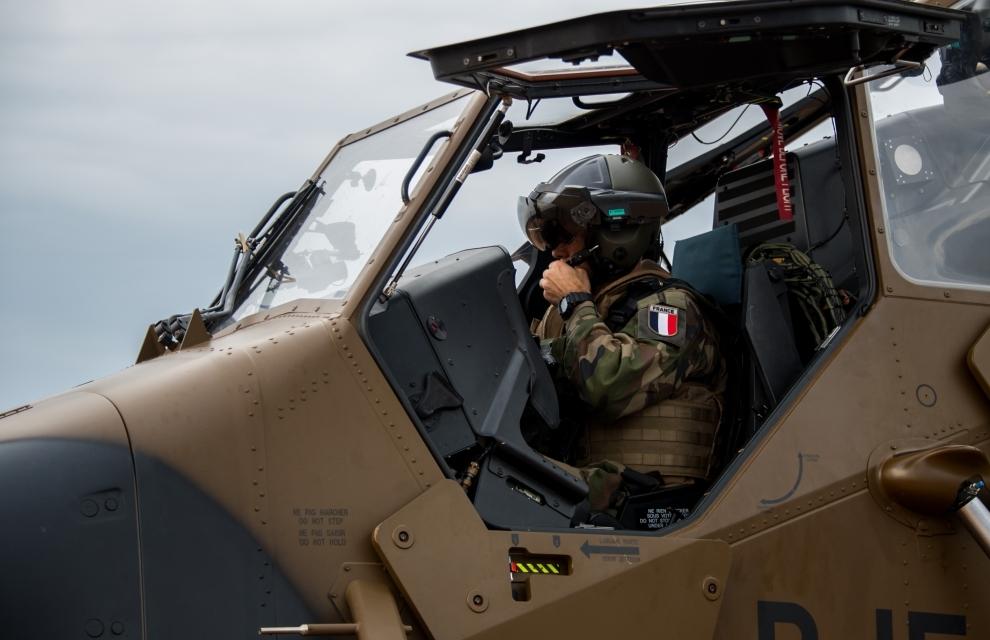 Sangaris : arrivée de l'hélicoptère TIGRE en Centrafrique 2014tsgs_021_010