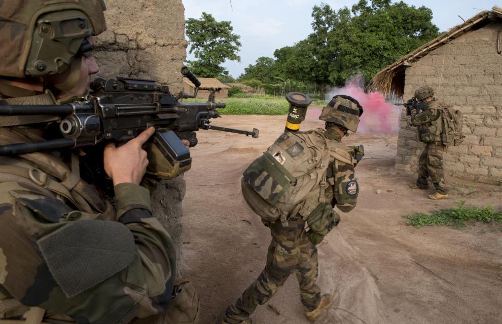 Sangaris : Du 15 au 18 juin 2014, reconnaissance offensive au nord-ouest de la RCA 2014ecpa069a78_020