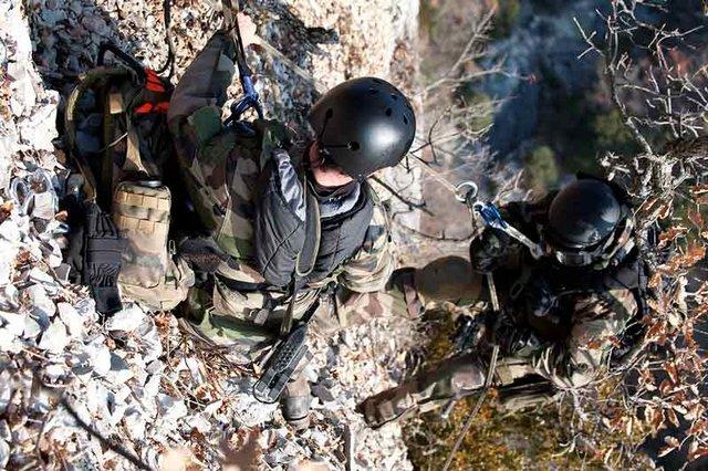 armée de terre 8-exercice-etoile-verte-2009-du-groupement-de-commando-de-montagne-gcm
