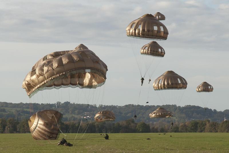 Image du 27/09/2013 Parachutistes-26