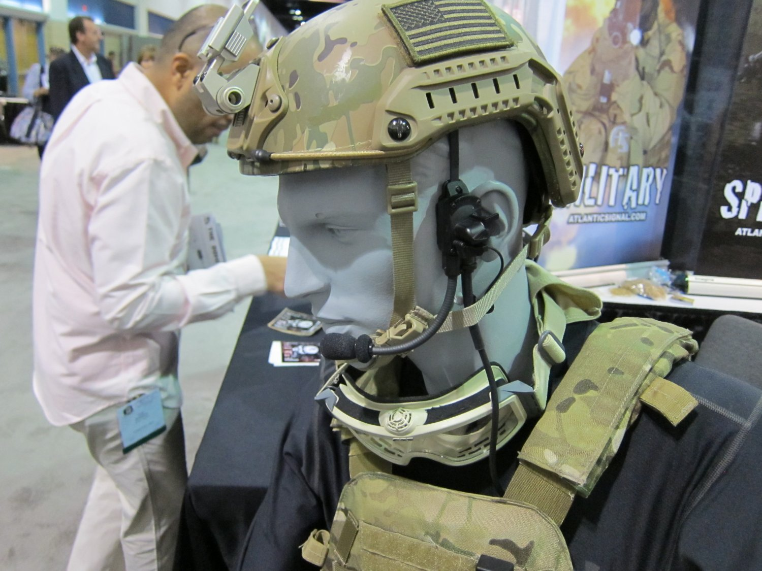 Syrian Armed Forces (Photos, Video) - Page 4 Atlantic_Signal_Dominator_Waterproof_Bone_Conduction_Hearing_Pro_Tactical_Comms_Headset_and_Ops-Core_SPECOPS_Combat_Helmet_SOFIC_2011_2