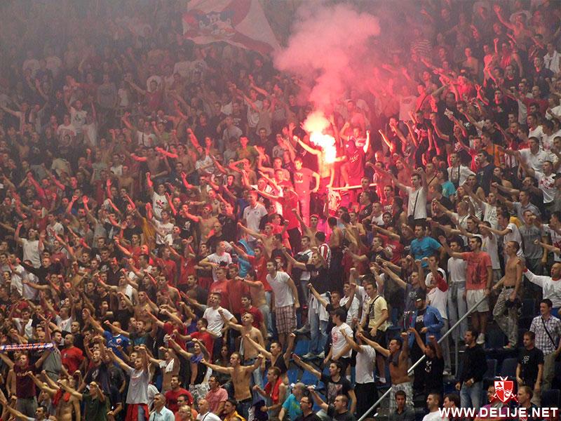 Fenomenul Ultras in alte sporturi - Pagina 2 1112_cz_bayern_1