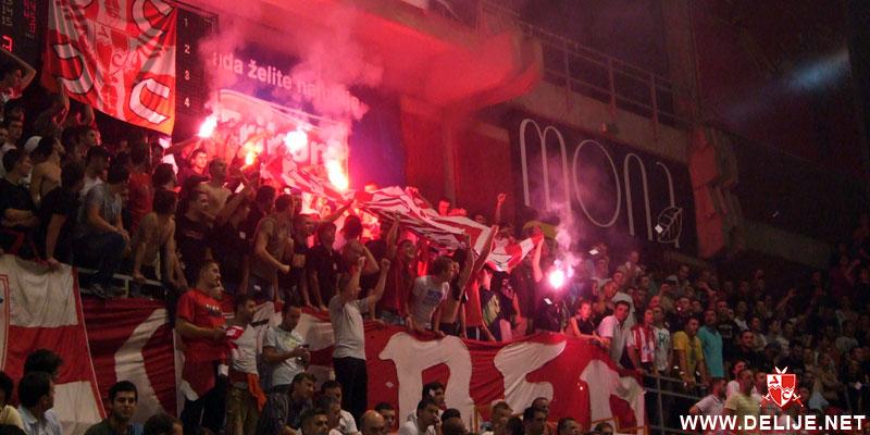Fenomenul Ultras in alte sporturi - Pagina 2 1112_cz_bayern_10