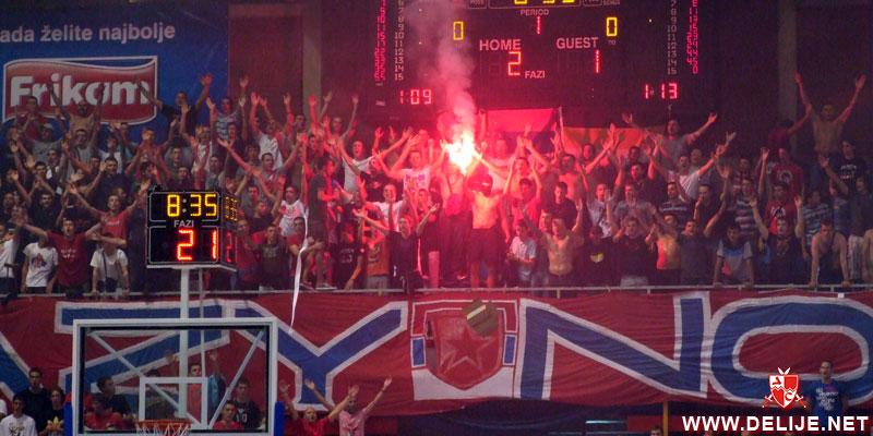 Fenomenul Ultras in alte sporturi - Pagina 2 1112_cz_bayern_6