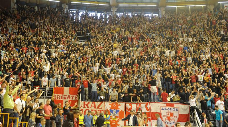 Fenomenul Ultras in alte sporturi - Pagina 5 1112_cz_radnicki_basket_2