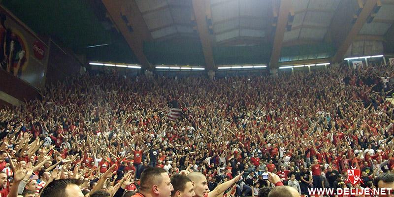 Fenomenul Ultras in alte sporturi - Pagina 6 1213_cz_galata_2