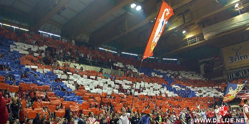Fenomenul Ultras in alte sporturi - Pagina 6 1213_cz_galata_3
