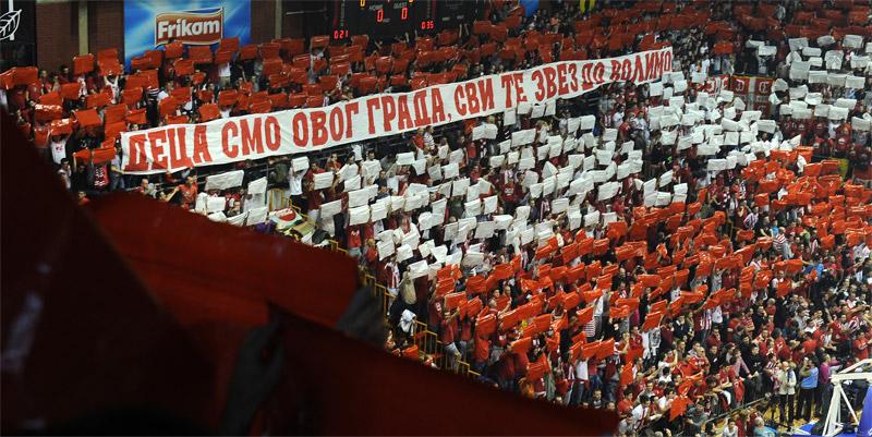 Fenomenul Ultras in alte sporturi - Pagina 6 1213_cz_galata_9