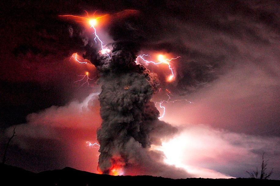 Как прекрасен этот мир Erupted-volcano-chile-francisco-negroni-12