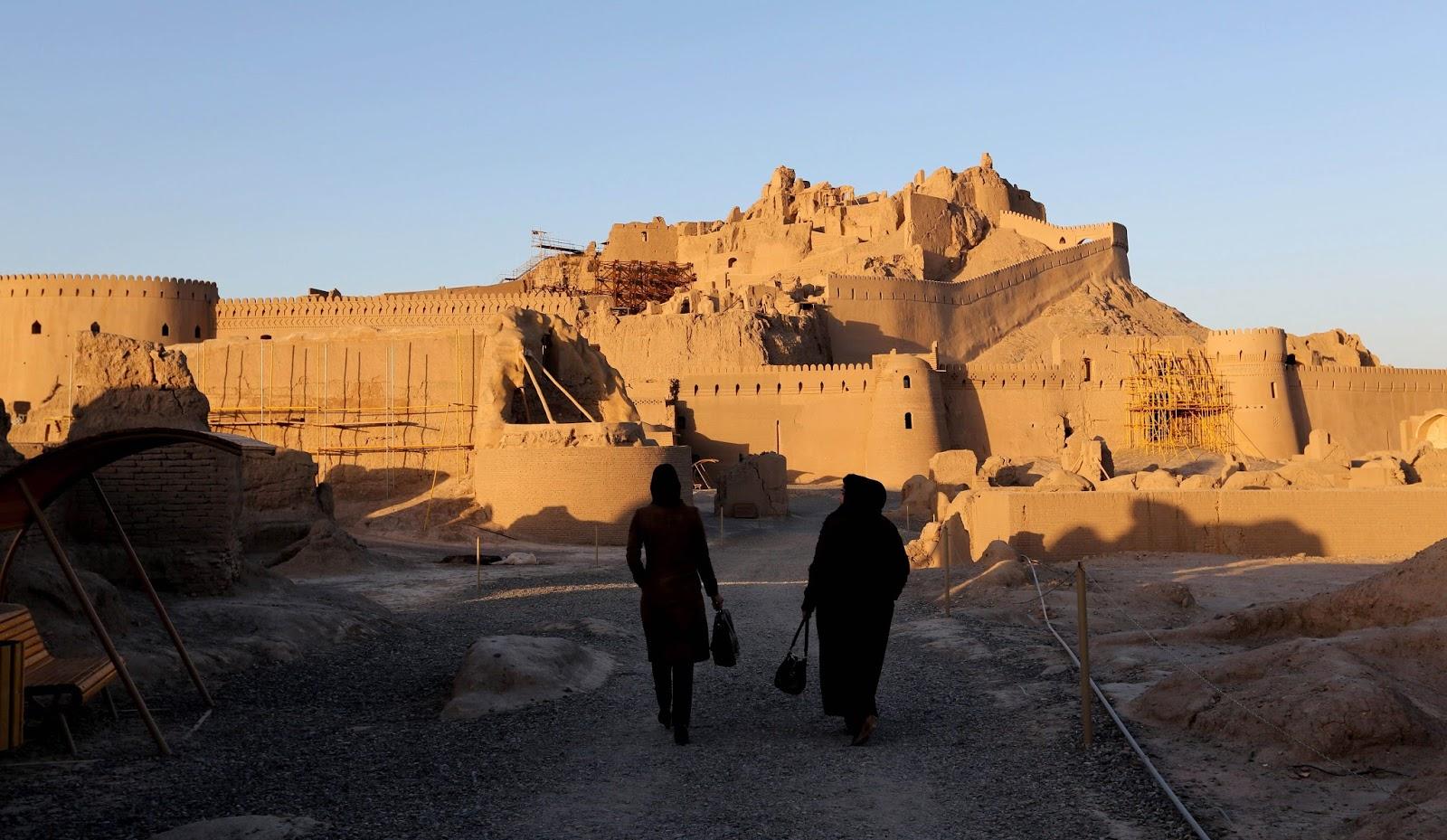 La citadelle d'Arg-é Bam, l'un des plus beaux édifices d'Iran ! Par Clément P. Bp