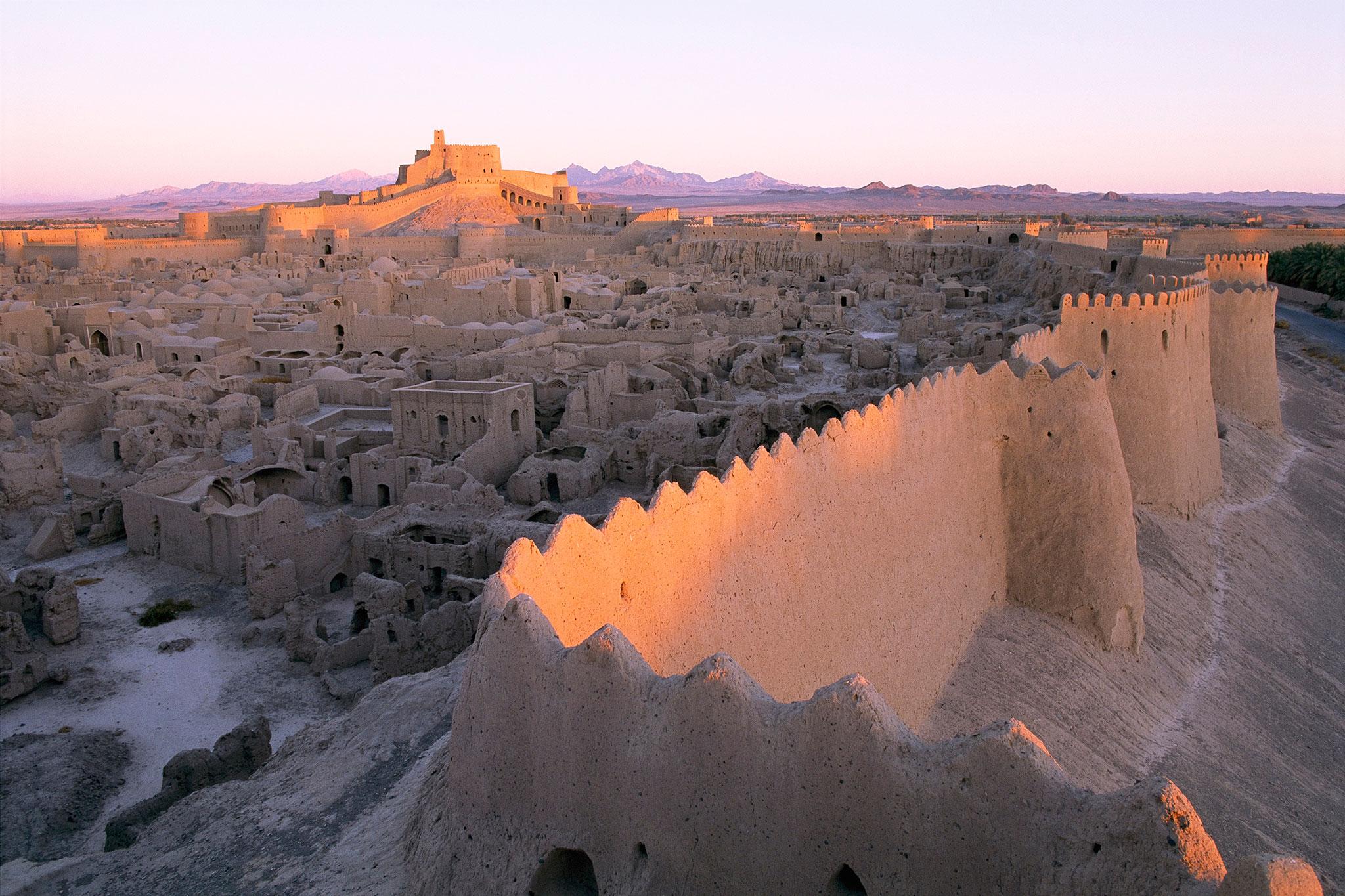 La citadelle d'Arg-é Bam, l'un des plus beaux édifices d'Iran ! Par Clément P. Natge%CC%81o