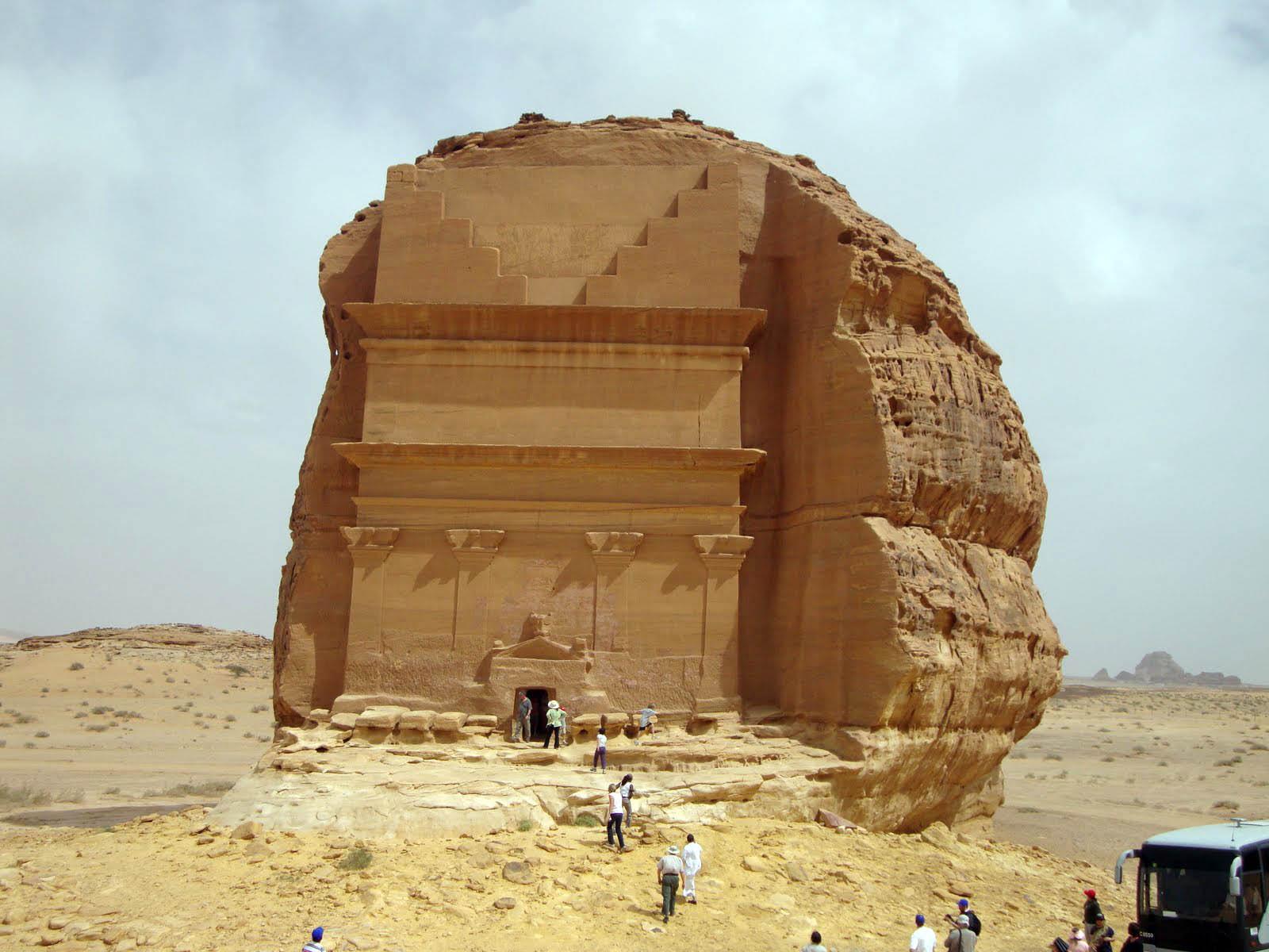 Arabie Saoudite : découvrez l'extraordinaire tombeau de Qasr al-Farid ! Par Clément P. Photomonde