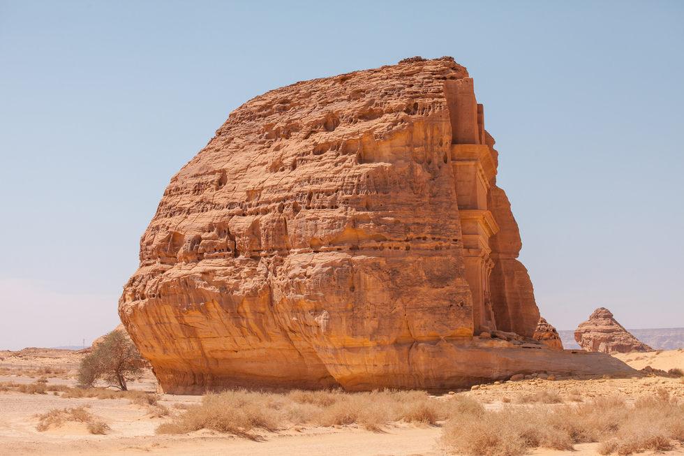 Arabie Saoudite : découvrez l'extraordinaire tombeau de Qasr al-Farid ! Par Clément P. Tomasz%20trionoskiiy2